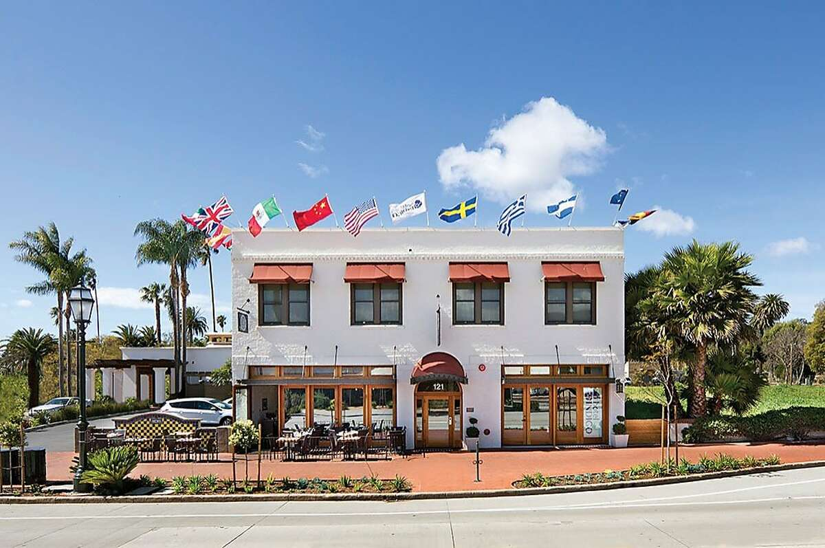 The Hotel Indigo is walking distance from Amtrak, the beach and other local attractions.