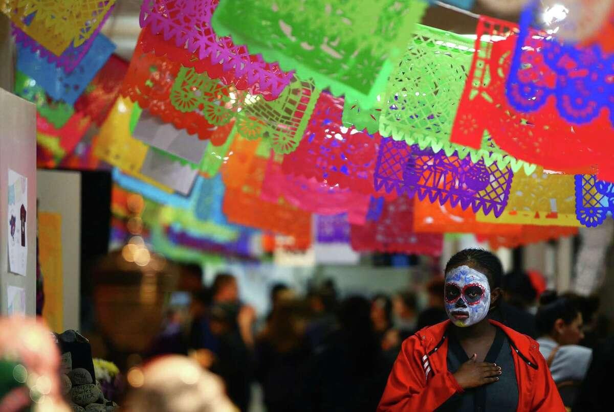 People celebrated Dia de los Muertos