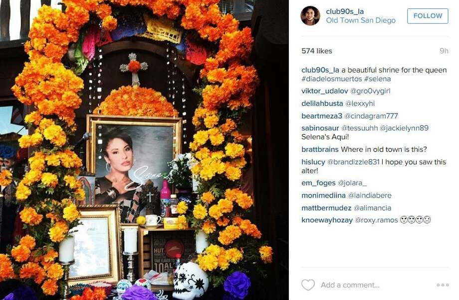 """beautiful shrine for the queen #diadelosmuertos #selena,"" post by @club90s_laa. Photo: Mendoza, Madalyn S, Instagram.com"
