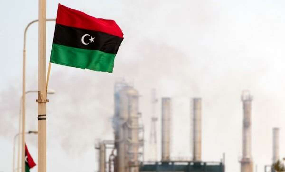 Output has resumed from the giant Sharara oil field in the west of Libya, potentially adding another 300,000 barrels per day to the country's capacity.