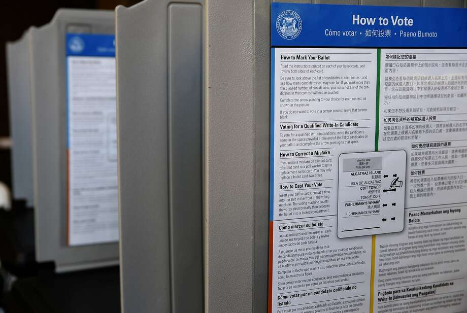 Voting booths in San Francisco on Tuesday, Nov. 3, 2015. Photo: Paul Chinn, The Chronicle