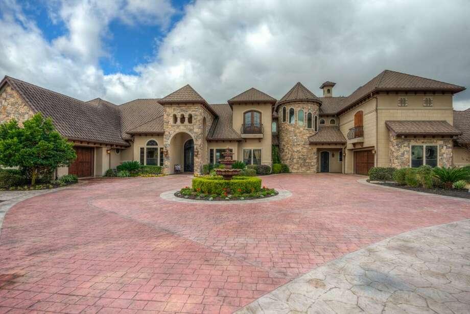110 April Breeze: $2,425,000 / 9,091 square feet Photo: Houston Association Of Realtors