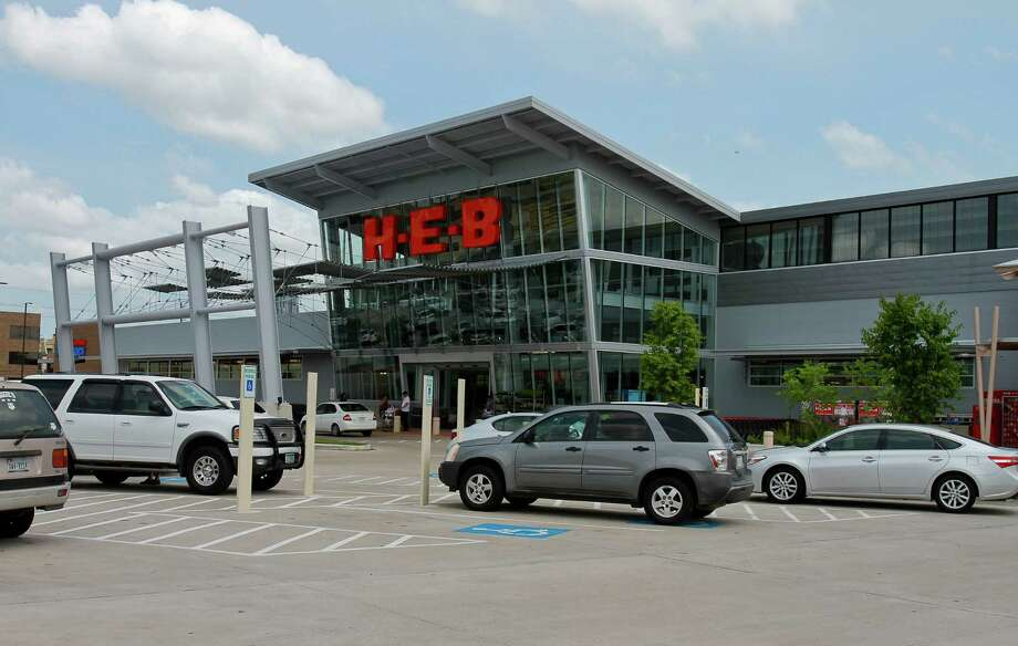 The H-E-B store at 5895 San Felipe Street. (For the Chronicle/Gary Fountain, May 27, 2015) Photo: Gary Fountain, Freelance / Copyright 2015 by Gary Fountain
