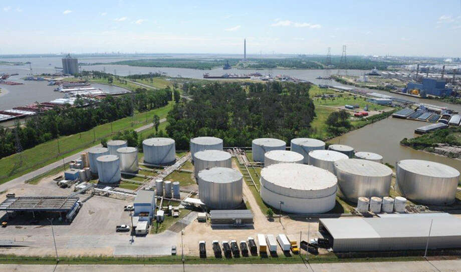 Taga Resources, a midstream company with facilities including this terminal in Channelview, plans to sells terminals in Maryland and Washington. (Targa Resources photo) Photo: None / Targa Resources
