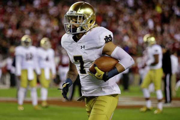 Philadelphia native, Notre Dame wide receiver Will Fuller (7) runs with the ball as he warms up before an NCAA college football game against Temple Saturday, Oct. 31, 2015, in Philadelphia, Pa. (AP Photo/Mel Evans)
