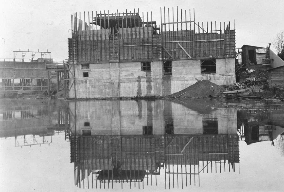 Refuse Destructor No. 2, pictured Jan. 17, 1912.