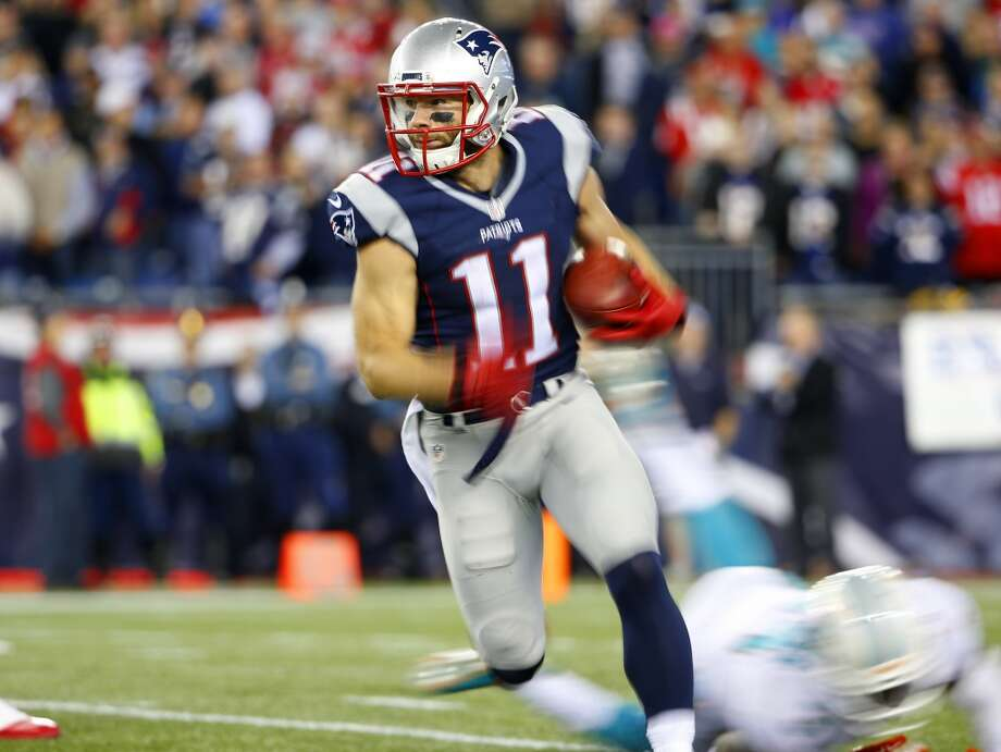 1. New England (7-0)Last week: 1Tom Brady should thank Roger Goodell because he's throwing better than any time in his career with properly inflated balls. Photo: Winslow Townson, Associated Press