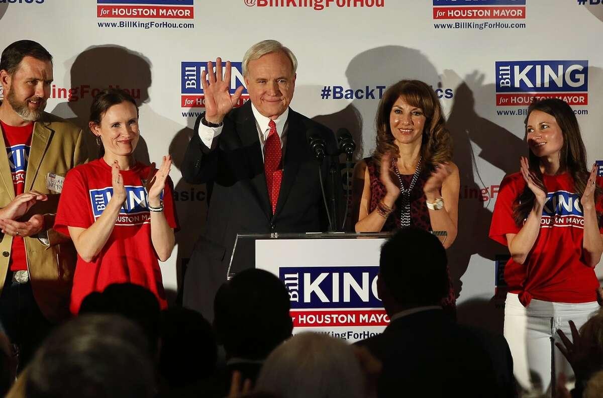 El abogado y ex alcalde de Kemah Bill King se medirá a Sylvester Turner, también abogado y representante estatal, en la segunda vuelta de la elección para la alcaldía de Houston, que se celebrará en diciembre.