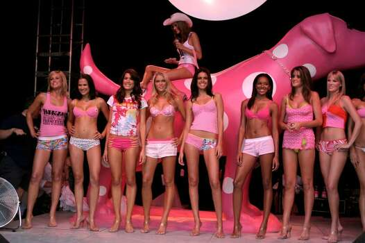 MIAMI - MARCH 17:  Runway models at the Victoria's Secret Spring Break Party on the Beach featuring the new Pink Collection.  March 17, 2004 in Miami, Florida.  (Photo by Tom Grizzle/Getty Images) Photo: Tom Grizzle, Getty Images / 2004 Getty Images