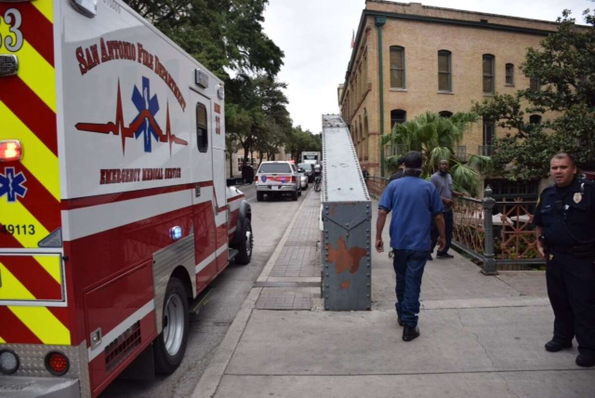 Emergency crews pulled a body out of the San Antonio River Walk around 9:30 a.m. Wednesday, November 4, 2015, near the 100 block of Crockett.