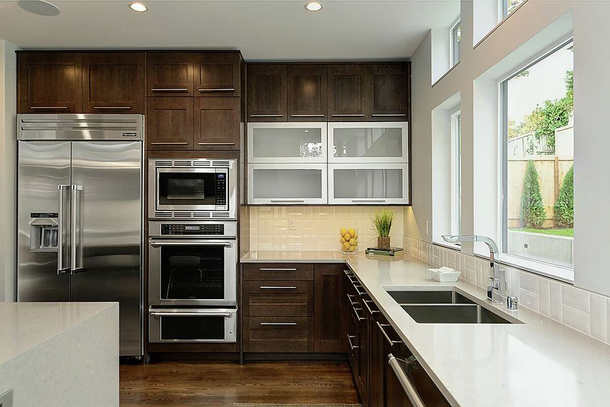 The kitchen in 5148 N.E. 41st St.