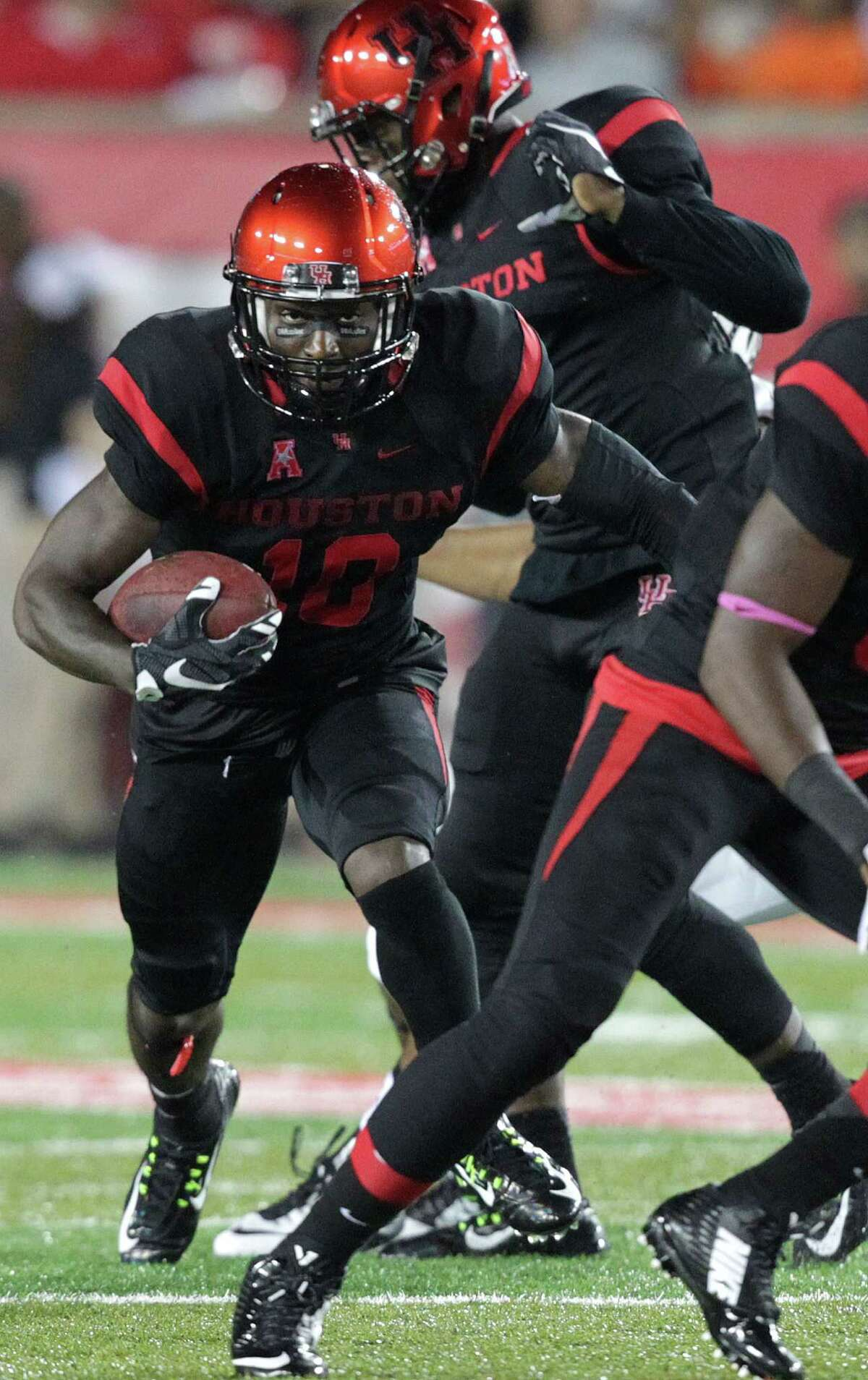 """Wide receiver Demarcus Ayers says UH is pulling together this season after """"just playing off talent"""" in 2014."""