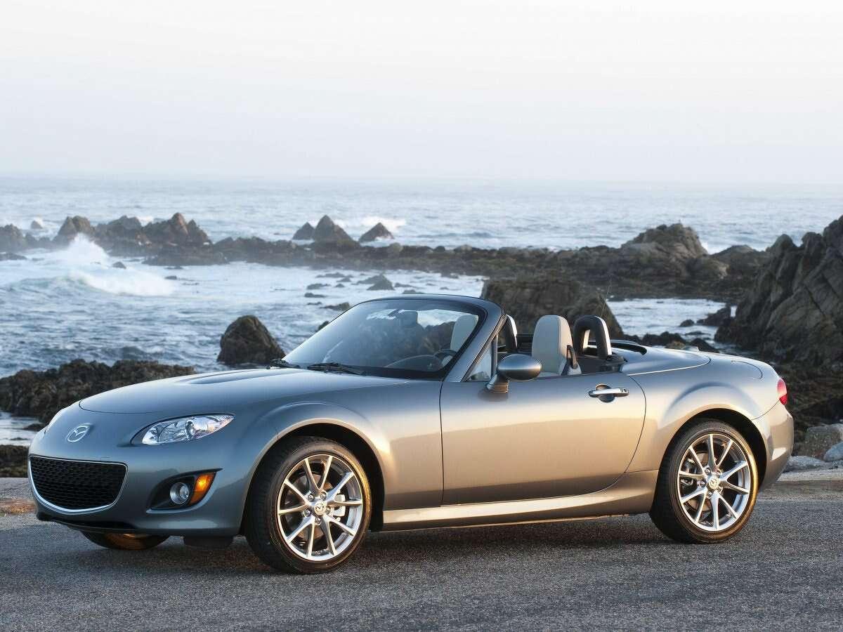 4. Mazda MX-5 Miata RF Average days to sell: 136.5