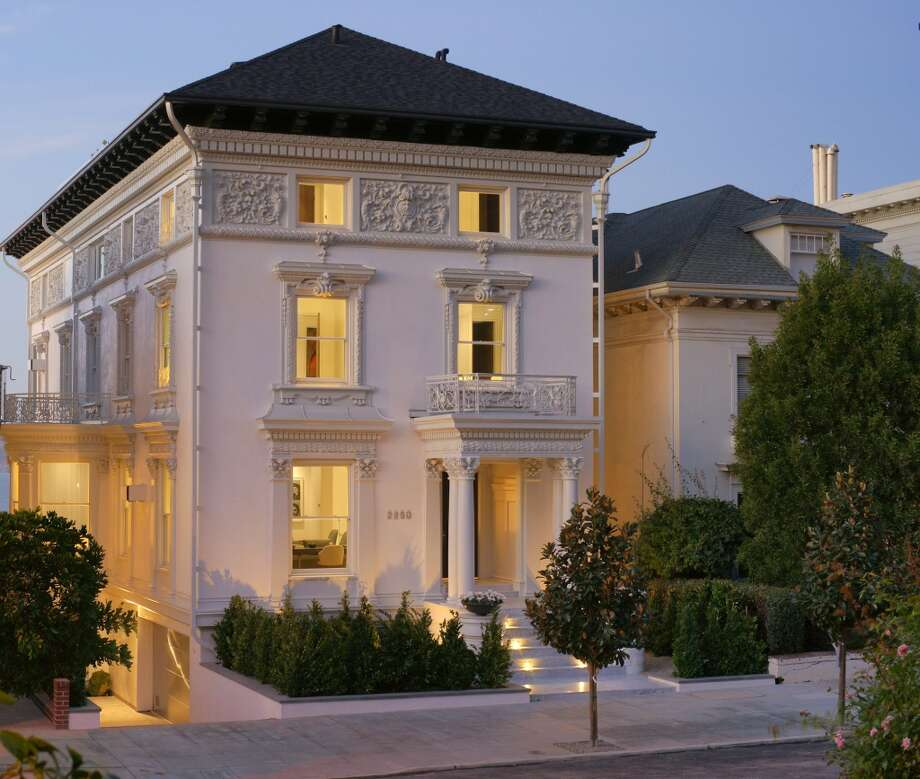 The stunning mansion at 2250 Vallejo St. in San Francisco's Pacific Heights neighborhood offers 9,095 square feet of pure elegance. Photo: Vince Valdes