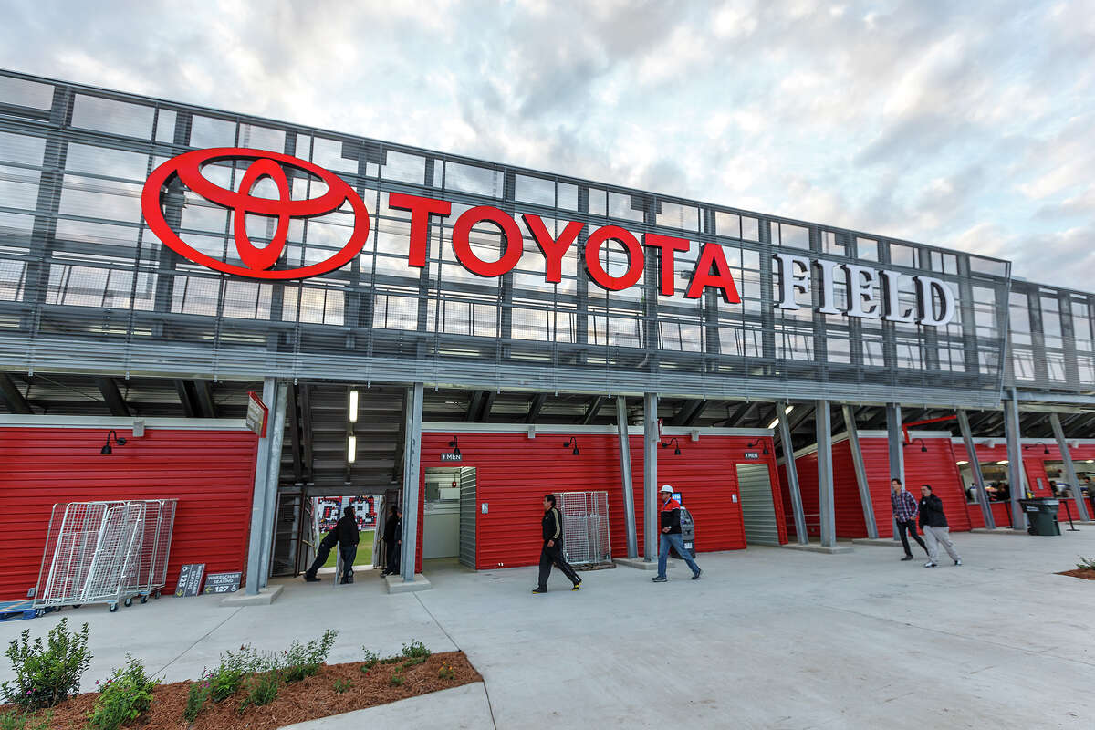 2) The City/County will lease 8,500-seat Toyota Field to Spurs Sports & Entertainment for 20 years, similar to agreement currently held between the Spurs and Bexar County for the AT&T Center.