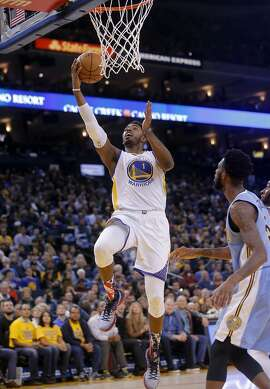 Warriors' Jason Thompson, 1 with a second quarter lay up, as the Golden Sate Warriors take on the Denver Nuggets at the Oracle Arena in Oakland, Calif. on Fri. November 6, 2015.
