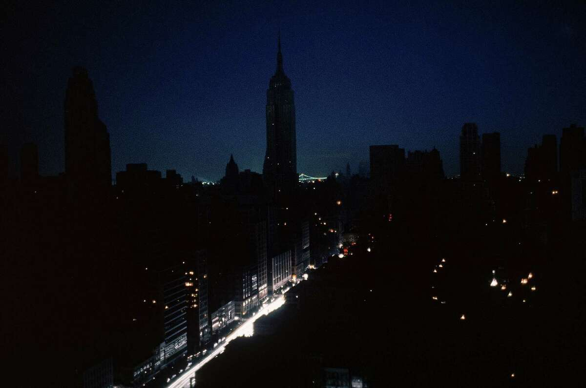 NEW YORK, UNITED STATES - 1965: View of Empire State Building during blackout. (Photo by Ralph Morse/Life Magazine/Time & Life Pictures/Getty Images)