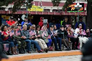 Residents brave chilly weather for annual U.S. Military Veterans Parade - Photo