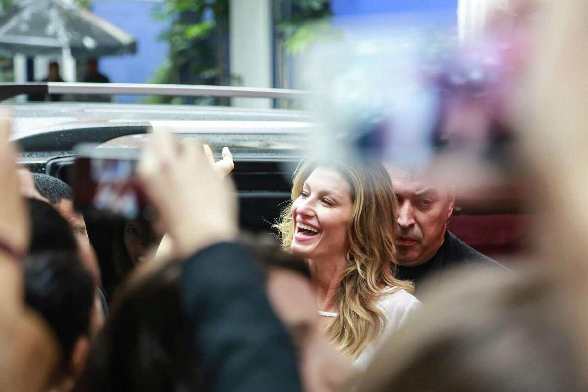 Brazilian Model Gisele Bundchen arrives to her book signing on November 06, 2015 in Sao Paulo, Brazil.