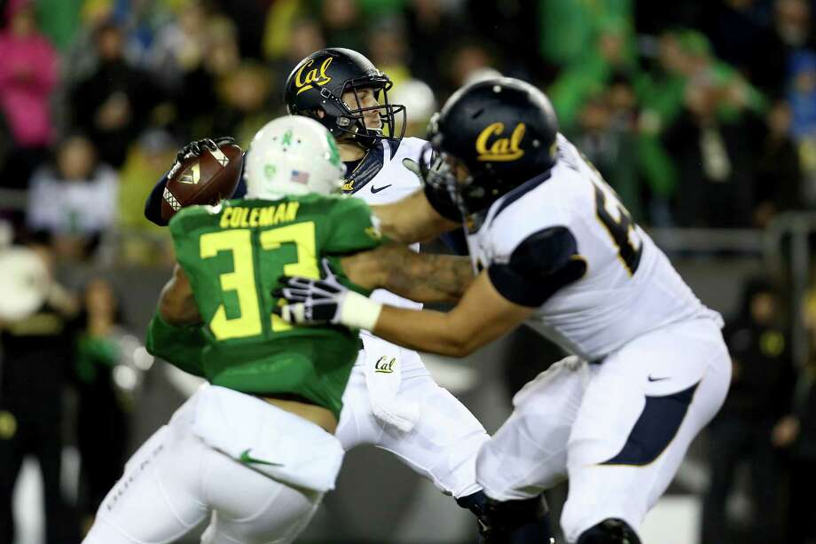 California quarterback Jared Goff (16) looks to throw the football during the first half of an NCAA college football game against Oregon, Saturday, Nov. 7, 2015, in Eugene, Ore. (AP Photo/Ryan Kang) Photo: Ryan Kang / Associated Press / FR171219 AP