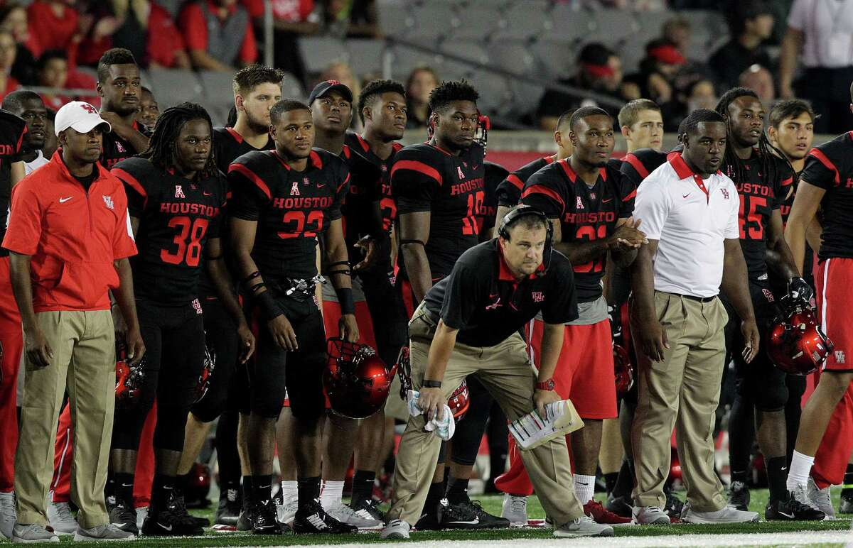 HIGHS Around the area: Houston did its part to set up a hyped contest against Memphis, with a 33-30 victory over Cincinnati on Saturday at TDECU Stadium. The Cougars under first-year coach Tom Herman have started 9-0 for the second time in school history, joining the 2011 club. On the downside, UH lost No. 2 running back Ryan Jackson to a broken collarbone that will sideline him the rest of the season.