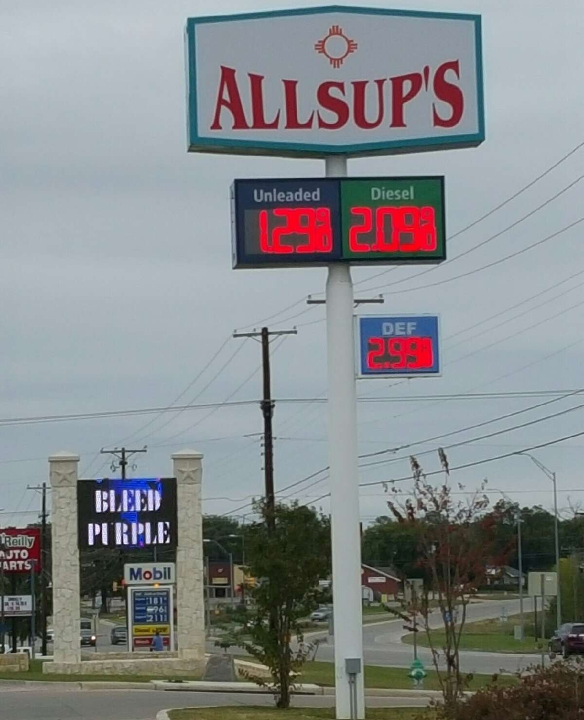A gas station located at 2725 W Washington St. in Stephenville, Texas sells a gallon of unleaded gasoline for $1.29 on Nov. 9, 2015.