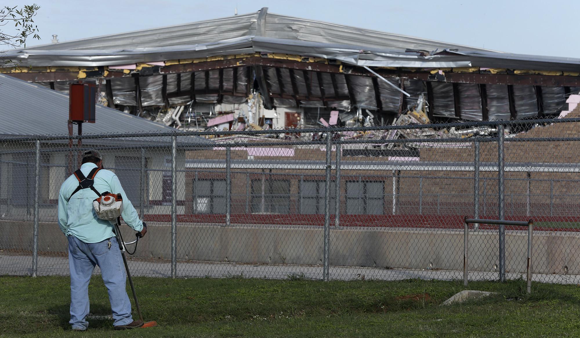 Floresville Students Return To High School After Tornado