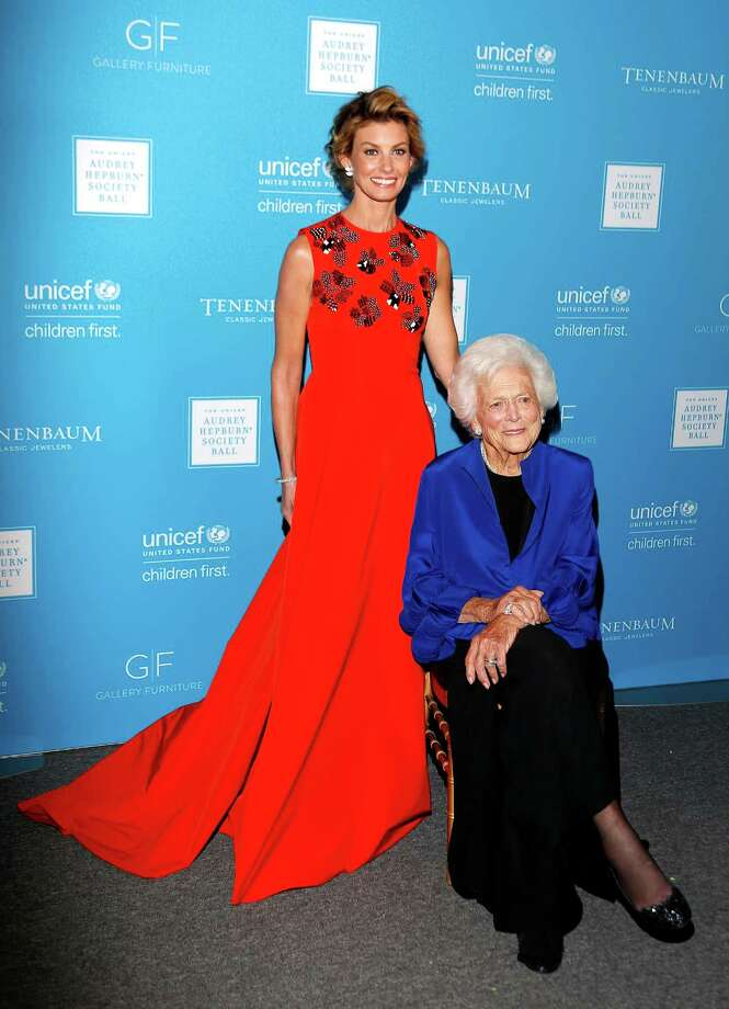 Singer Faith Hill and honoree Barbara Bush Photo: Bob Levey, Getty Images For U.S. Fund For U / 2015 Getty Images