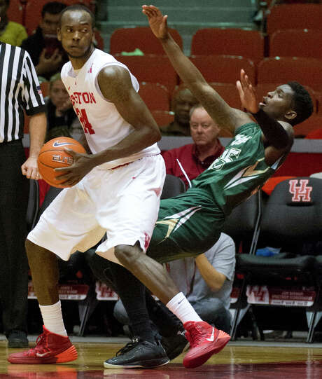 After averaging 11.4 points, UH forward Devonta Pollard, left, will have a lot more help this season. Photo: Eric Christian Smith, Freelance / 2015 Eric Christian Smith