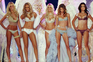 Sexy Victoria's Secret lingerie show hits 20-year mark - Photo