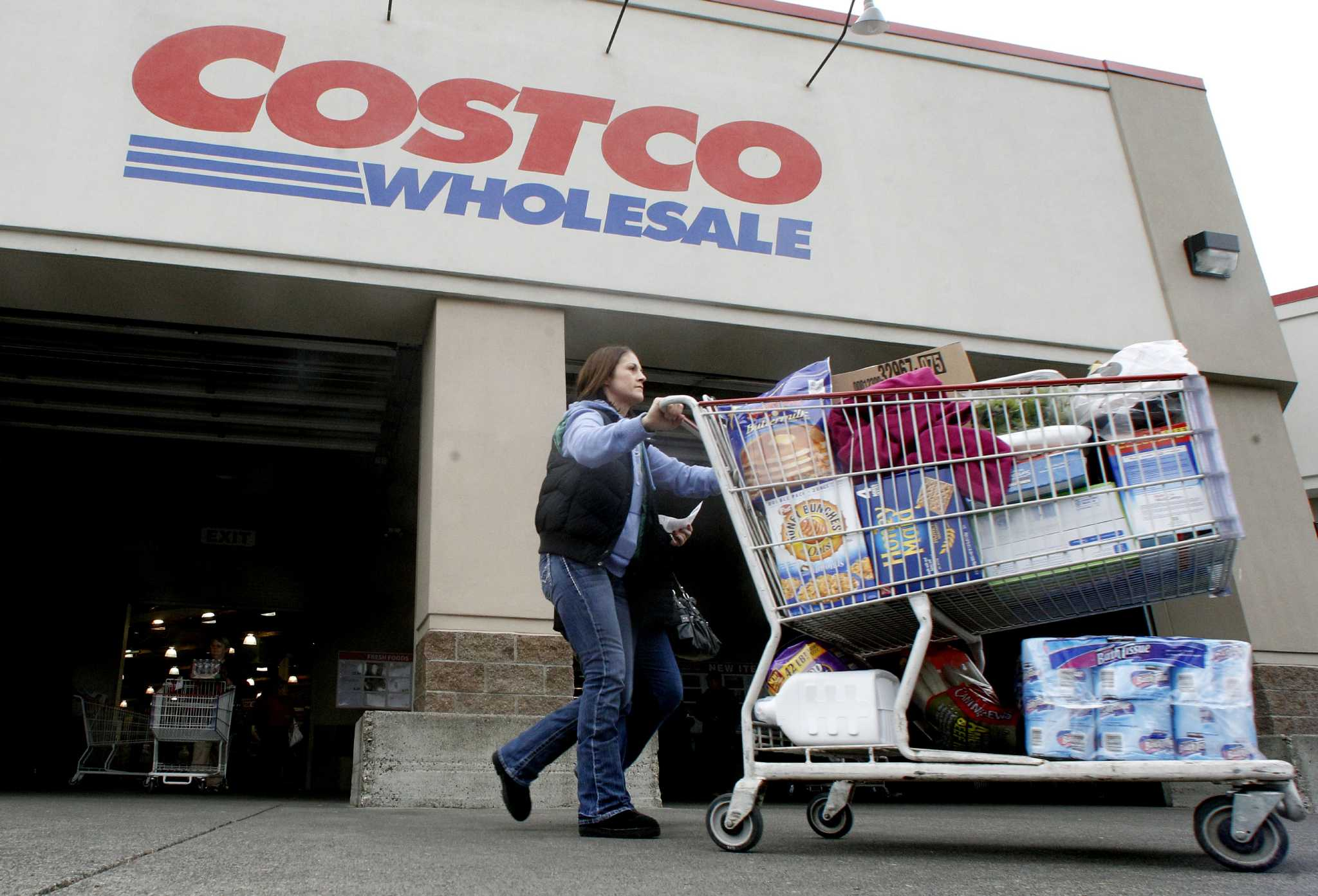 costco s transition to visa cards riddled problems houston costco s transition to visa cards riddled problems houston chronicle