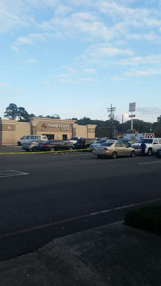 A man with a BB gun attempted to rob Third Coast Bank on Dowlen Road in Beaumont's West End on Nov. 10, 2015, but was shot at by a customer. Photo: Brandon K. Scott, Beaumont Enterprise