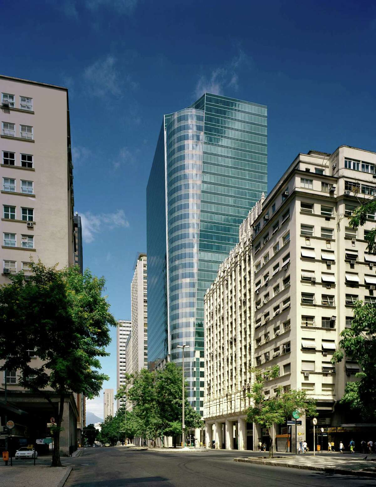 Petrobras leases in Torre Almirante are being probed.