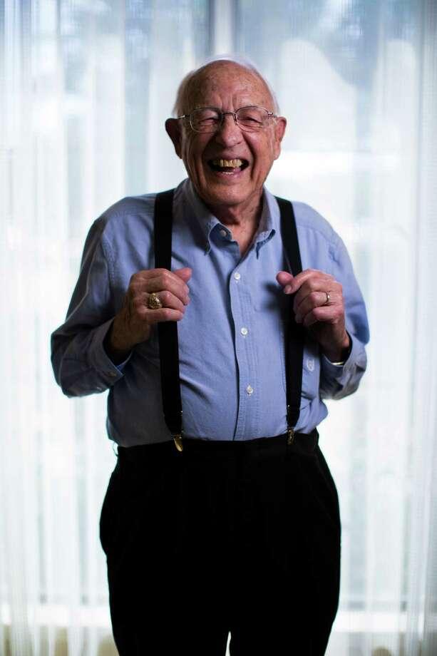 Katy resident Harry Perry, 93, is one of 850,000 World War II veterans still living. Photo: Marie D. De Jesus, Staff / © 2015 Houston Chronicle