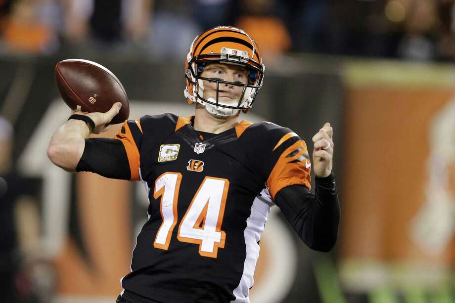 Cincinnati Bengals quarterback Andy Dalton throws in the second half of an NFL football game against the Cleveland Browns, Thursday, Nov. 5, 2015, in Cincinnati. The Bengals won 31-10. (AP Photo/Darron Cummings) Photo: Darron Cummings, STF / AP