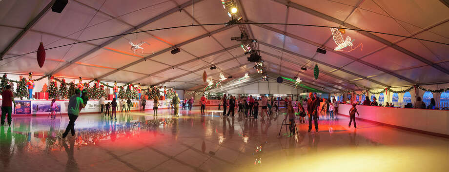 The Ice Rink The Woodlands: Photo: Courtesy Photo / Copyright©Ted Washington