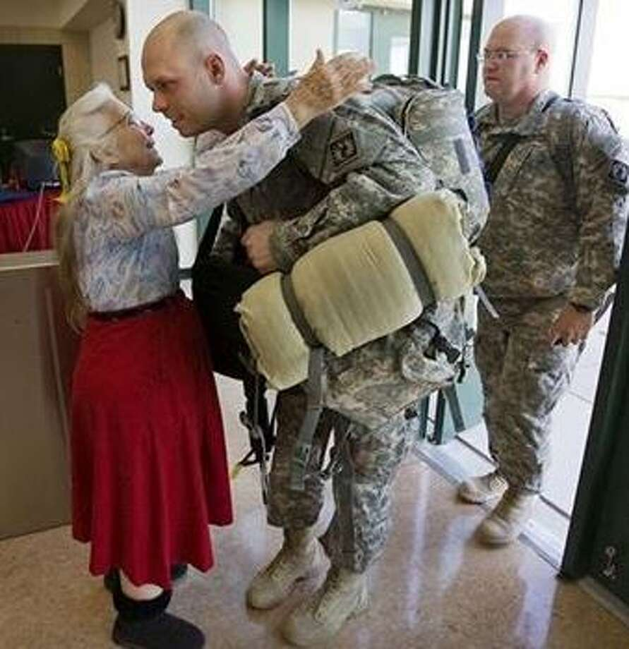 For 12 years, troops leaving to and returning from deployment have been wrapped in the arms of an 83-year-old woman with a simple yet meaningful mission to ensure support was the first and last thing they felt at Fort Hood. Photo: U.S. Department Of Veteran Affairs