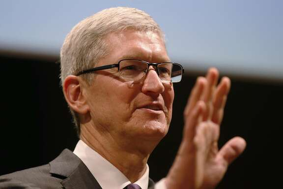 Apple CEO Tim Cook attends the inauguration of the academic year at the Bocconi University, in Milan, Italy, Tuesday, Nov.10, 2015. (AP Photo/Luca Bruno)