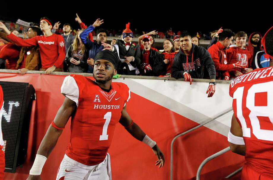 Houston quarterback Greg Ward Jr. received a letter from the Heisman Trophy Trust saying he is on its watch list. Photo: Karen Warren, Staff / © 2015 Houston Chronicle