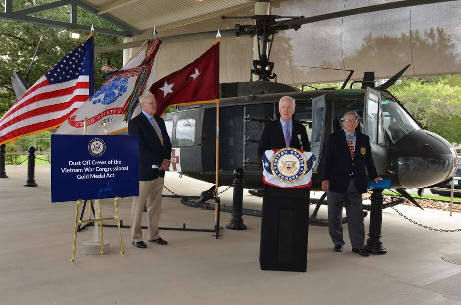 "Lawmakers filed legislation Wednesday to honor the ""Dustoffs,"" air ambulance crews who saved hundreds of thousands of lives during the Vietnam War."