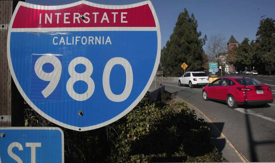 Interstate 980 runs between Interstate 880 and Interstate 580 through downtown Oakland, cutting the city in half, some say. Photo: Michael Macor, The Chronicle
