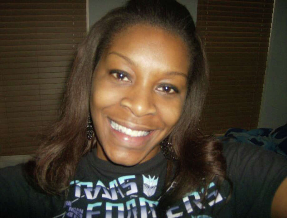 In this undated photo provided by the Bland family, Sandra Bland poses for a photo. Bland, a black 28-year-old from suburban Chicago, was found dead in jail on July 13, 2015. Texas authorities have said Bland hanged herself with a garbage bag, a finding that her family disputes. She was in custody after a traffic stop for failing to use a turn signal escalated into a physical confrontation with a white state trooper. (Courtesy of Bland family, File) Photo: HONS / Bland family