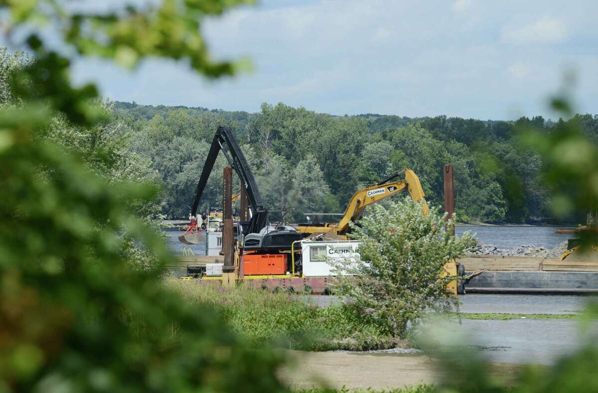 Work on General Electric?'s ongoing PCB remediation in the upper Hudson River continues near Lock 2 just south of Mechanicville Thursday afternoon, Aug. 20, 2015, in Halfmoon, N.Y.
