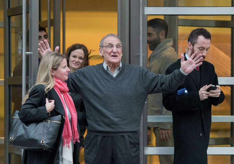 """Accused mobster Vincent Asaro left a Brooklyn federal court a free man Thursday, telling reporters he was going """"to my friend's restaurant.""""  Photo: Bryan R. Smith, FRE / FRE171336 AP"""