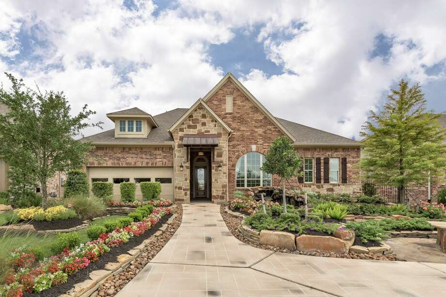 All of David Weekley's homes in Cinco Ranch feature the latest in energy-efficient building techniques, as well as open-concept designs.
