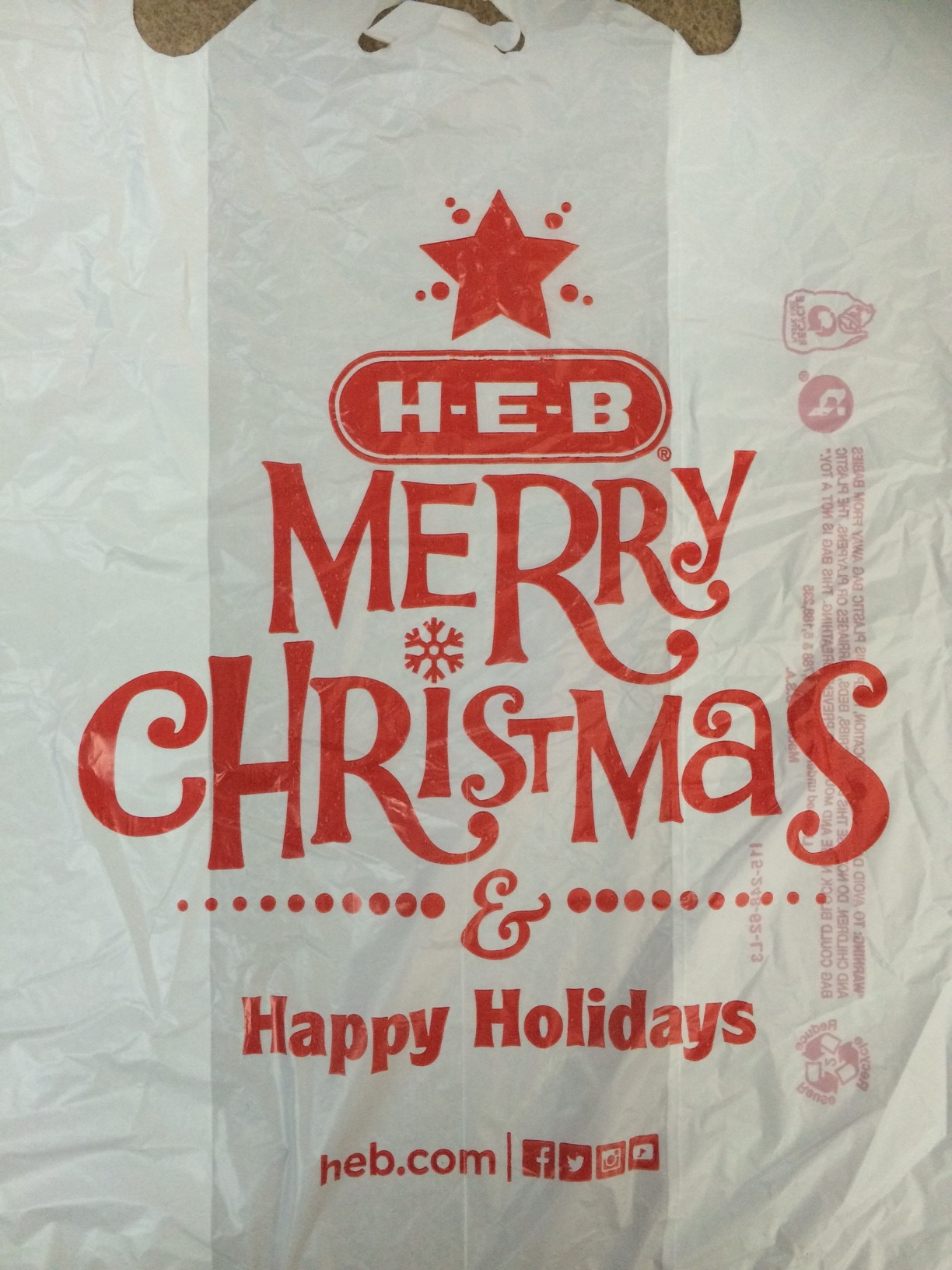 H e b using 39 merry christmas 39 grocery bags this year san for Holiday t shirt bags