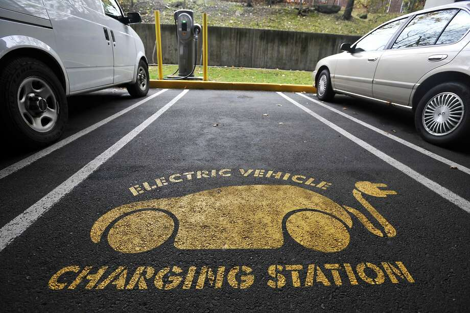 Electric vehicles have developed a passionate following in California, but they have largely failed to catch on nationwide. Photo: Michael Cummo, Hearst Connecticut Media