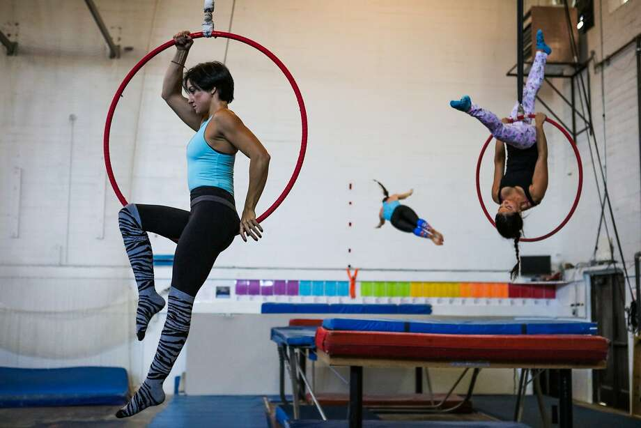 (l-r) Shannon Morse, Lauren Kufer and Aurora Soria practice their gymnastics skills during a class at SF Circus Center in San Francisco, California on Thursday, November 12, 2015. Photo: Gabrielle Lurie, Special To The Chronicle