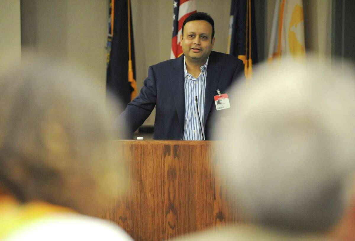 Vikash Agrawal, Chairman & Co-founder of Etransmedia Technology speaks during the SPARC Entrepreneurship Forum at SUNY Poly on Thursday Nov.12, 2015 in Albany, N.Y. (Michael P. Farrell/Times Union)