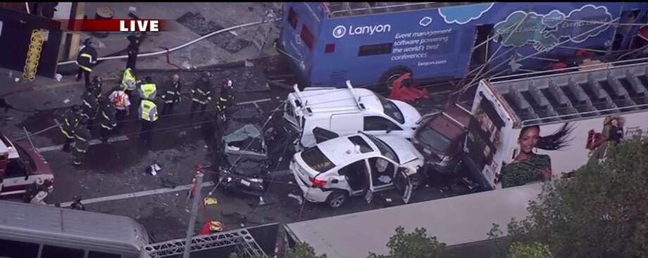 Tour bus crash near Union Square, November 13th, 2015 (KTVU) Photo: KTVU